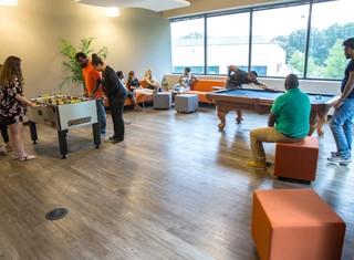 Careers - Office Perks Movin' & Groovin'
