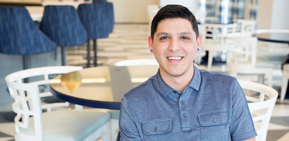 Omar De Los Santos, Floor Assistant, Distribution Center - Kendra Scott Careers