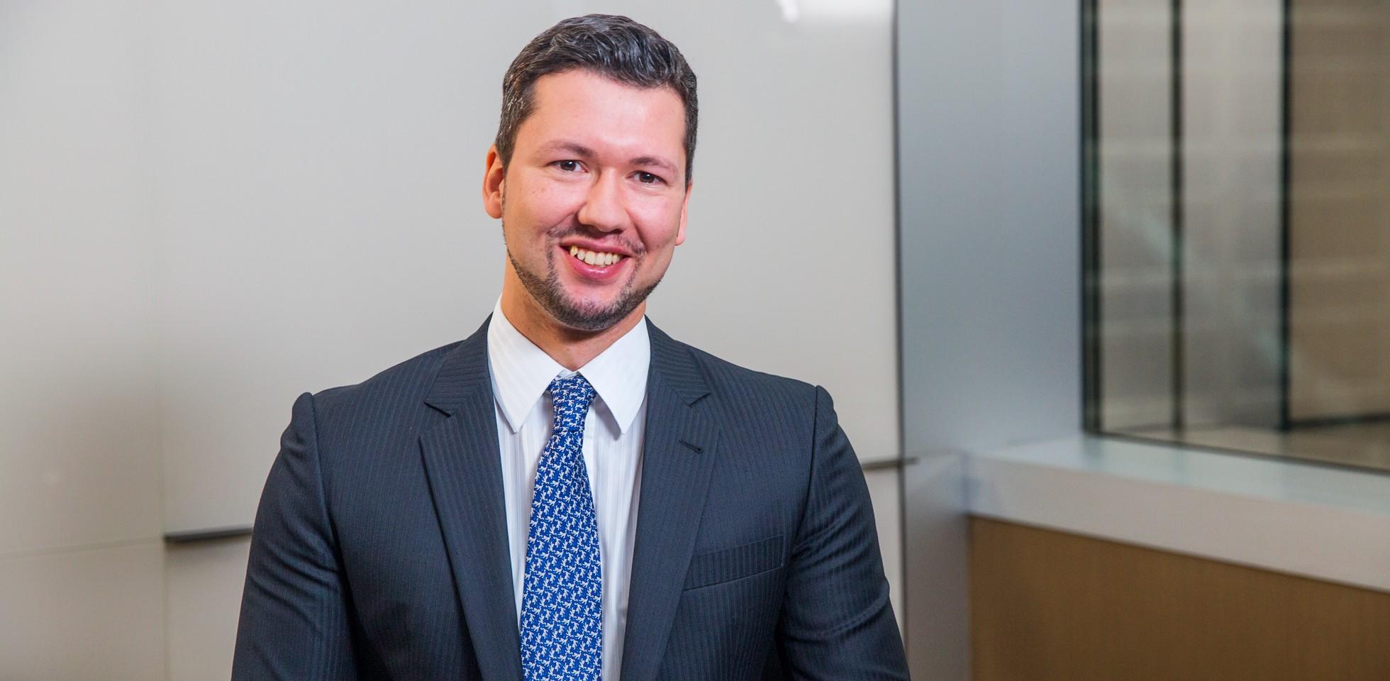 Robert, Associate, Corporate Strategy - BlackRock Hong Kong Careers