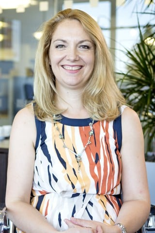 Eleanor Phipps, Global Business Analyst - Dun & Bradstreet Careers